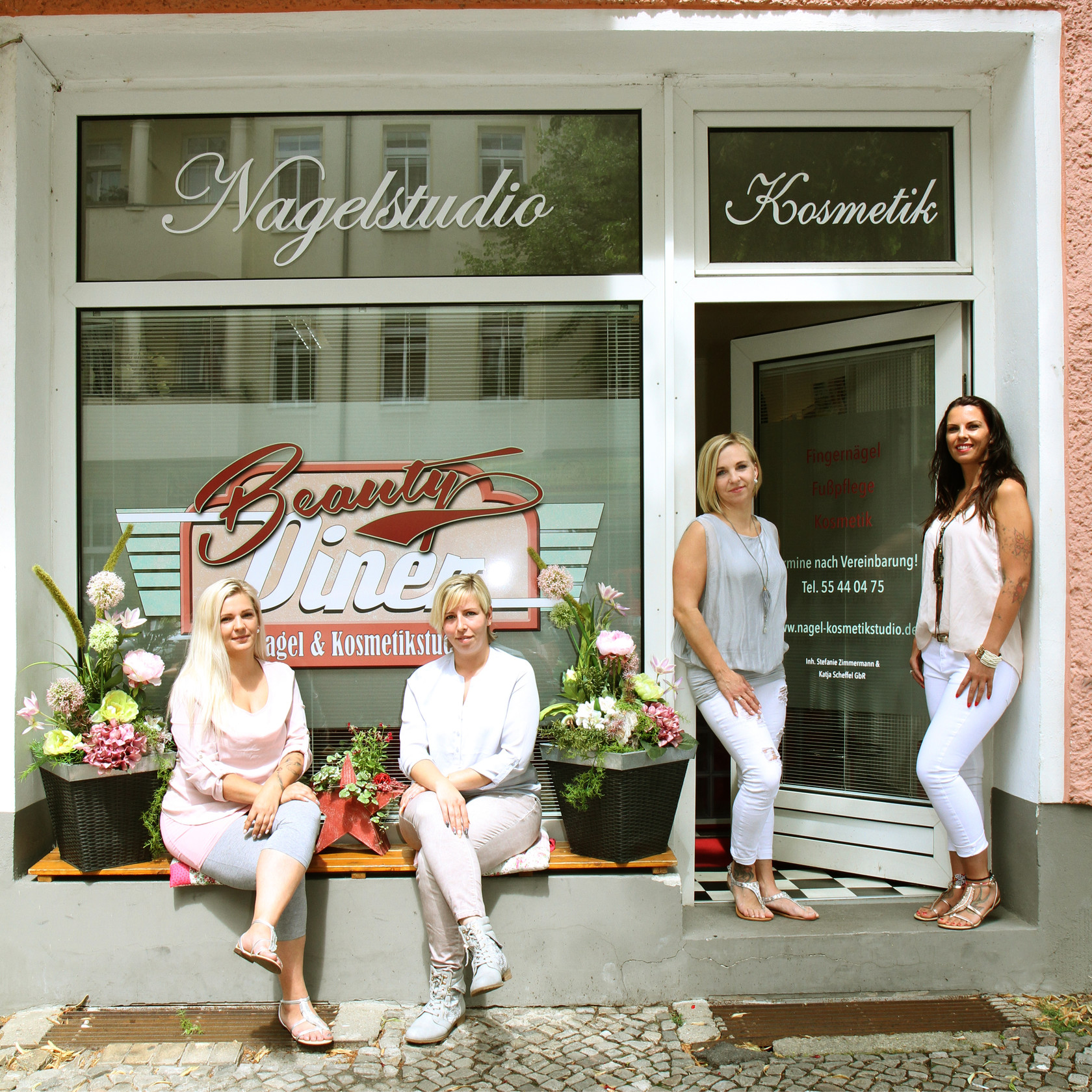 beauty diner nagel und kosmetikstudio in berlin. Black Bedroom Furniture Sets. Home Design Ideas
